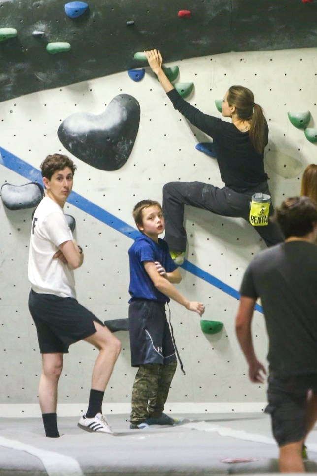 Los Angeles, CA - *EXCLUSIVE* **WEB MUST CALL FOR PRICING** - Actress Angelina Jolie takes her twins Knox and Vivienne rock climbing in Los Angeles and it appears that Angelina is quite the expert at the sport! Pictured: Angelina Jolie BACKGRID USA 20 JANUARY 2019 USA: +1 310 798 9111 / usasales@backgrid.com UK: +44 208 344 2007 / uksales@backgrid.com *UK Clients - Pictures Containing Children Please Pixelate Face Prior To Publication*