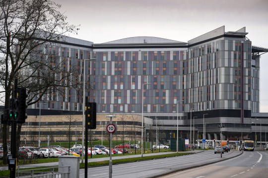 GLASGOW, SCOTLAND - JANUARY 21: Cars are parked outside Queen Elizabeth University Hospital on January 21, 2019 in Glasgow, Scotland. Two patients have died at the Glasgow hospital, after contracting a fungal infection linked to pigeon droppings. (Photo by Jeff J Mitchell/Getty Images)