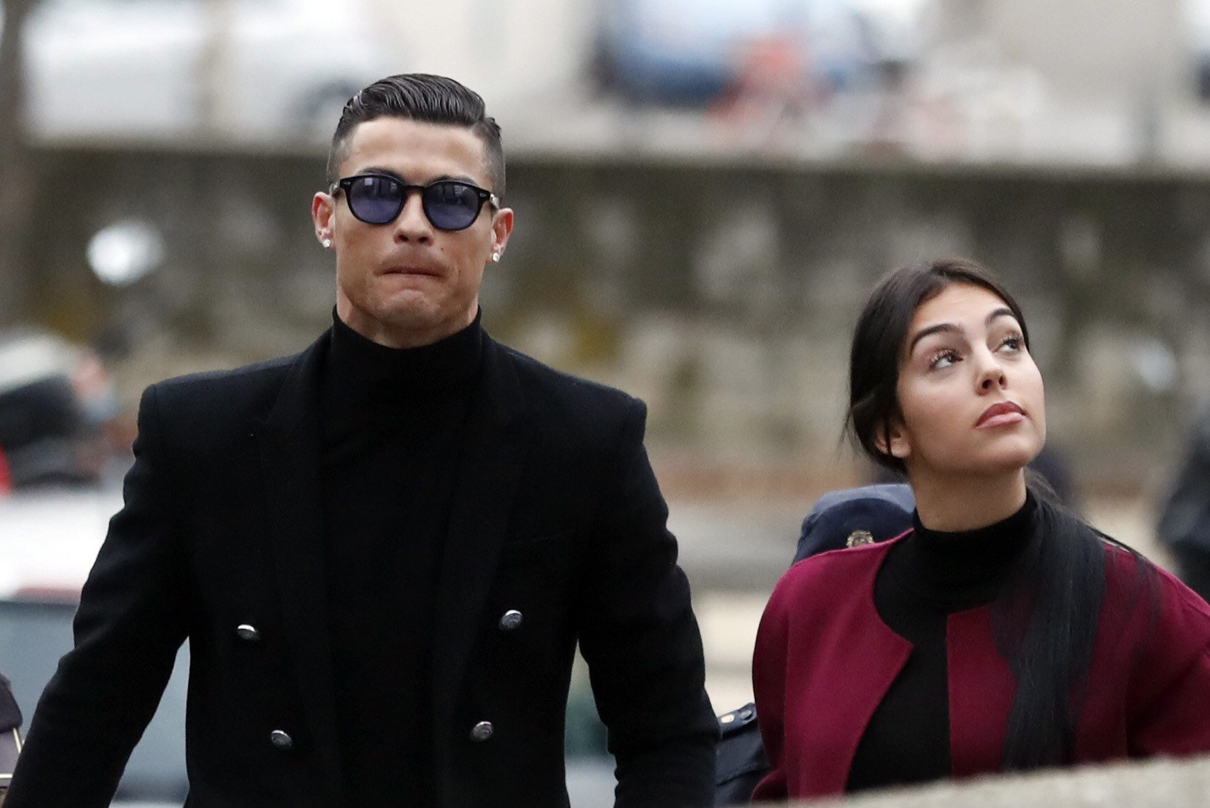 epa07308251 Juventus FC forward Cristiano Ronaldo (L) and his partner Georgina Rodriguez (R) arrive to a court in Madrid, Spain, 22 January 2019. Ronaldo is accused of four tax offenses. EPA/JAVIER LIZON