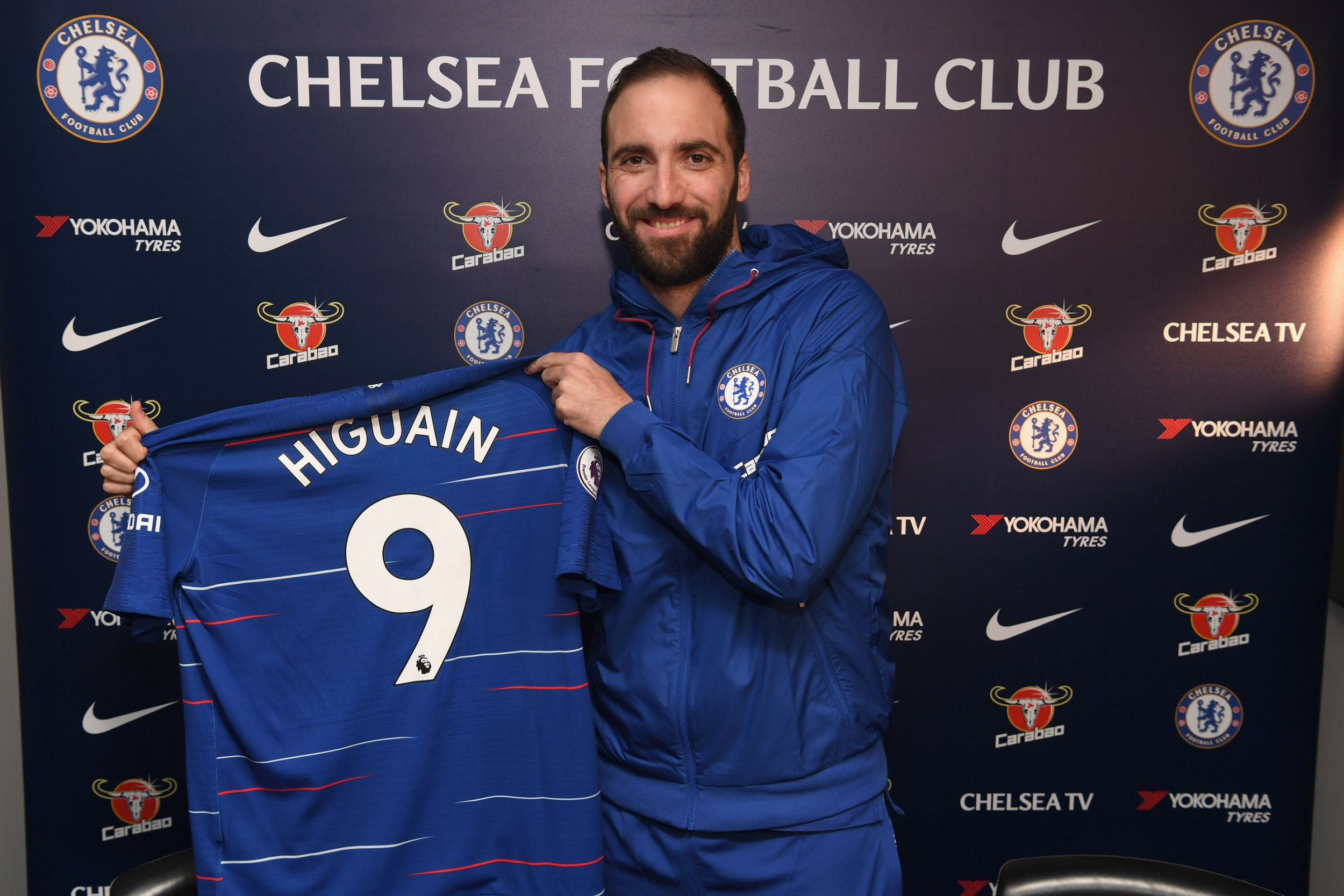 Gonzalo Higuain mocked by AC Milan players after his move to Chelsea