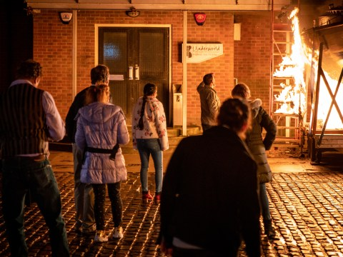 Who started the Coronation Street boat fire and who dies?