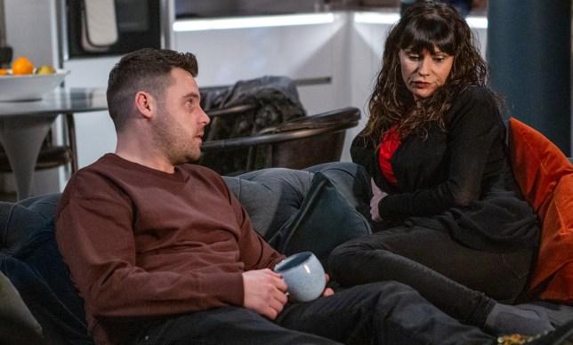 Chas advises Aaron in Emmerdale
