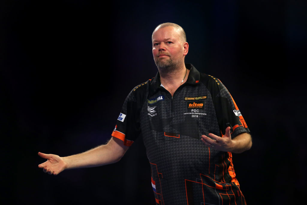 Raymond van Barneveld struggling to enjoy final year in darts as poor form continues