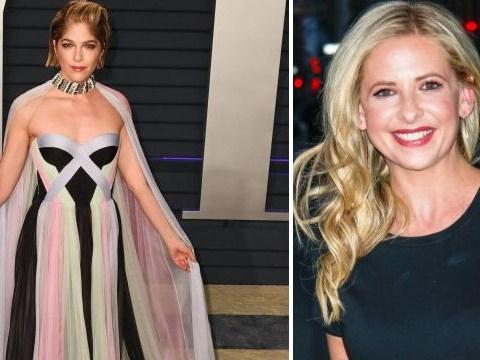 Sarah Michelle Gellar praises Selma Blair for 'facing MS diagnosis with dignity' as she rocks cane at Oscars