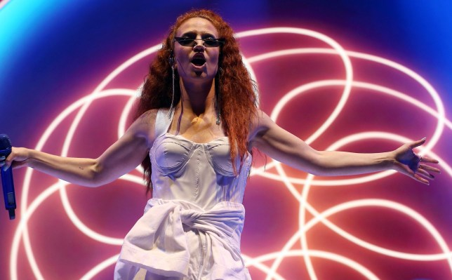 ***BESTPIX*** LONDON, ENGLAND - NOVEMBER 20: Singer Jess Glynne performs live on stage at The O2 Arena on November 20, 2018 in London, England. (Photo by Simone Joyner/Getty Images)