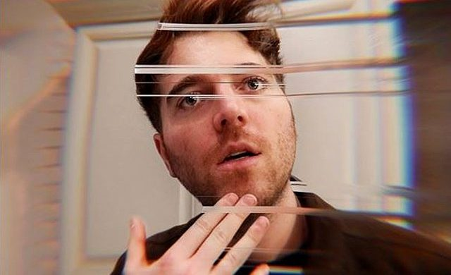 Shane Dawson hits back at impatient fans Picture: shanedawson https://www.instagram.com/p/BtZCOESHLHP/ metrograb