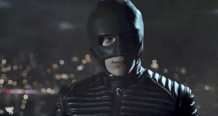 David Mazouz i the Batman outfit in Gotham