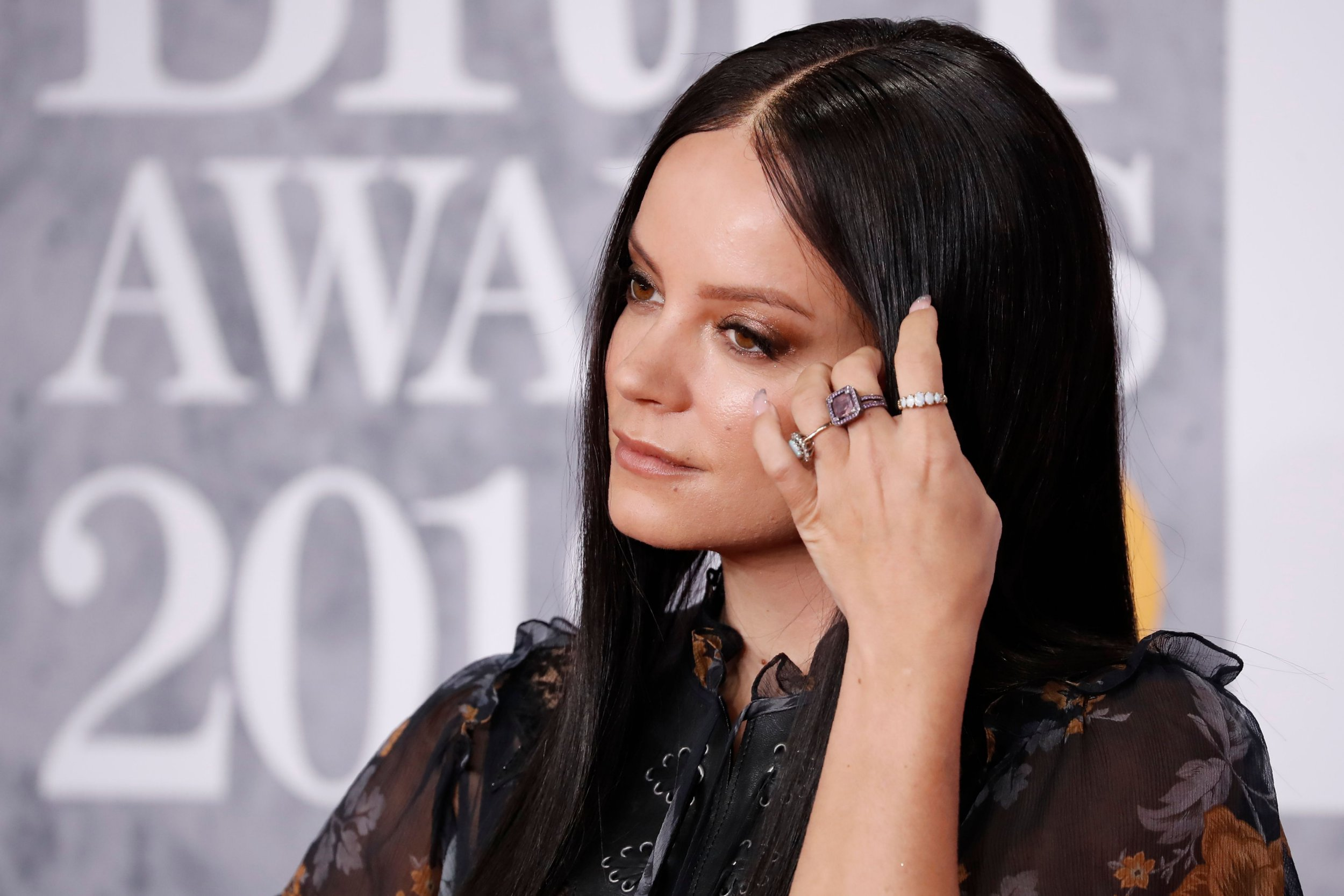 British singer-songwriter Lily Allen poses on the red carpet on arrival for the BRIT Awards 2019 in London on February 20, 2019. (Photo by Tolga AKMEN / AFP) / RESTRICTED TO EDITORIAL USE NO POSTERS NO MERCHANDISE NO USE IN PUBLICATIONS DEVOTED TO ARTISTSTOLGA AKMEN/AFP/Getty Images