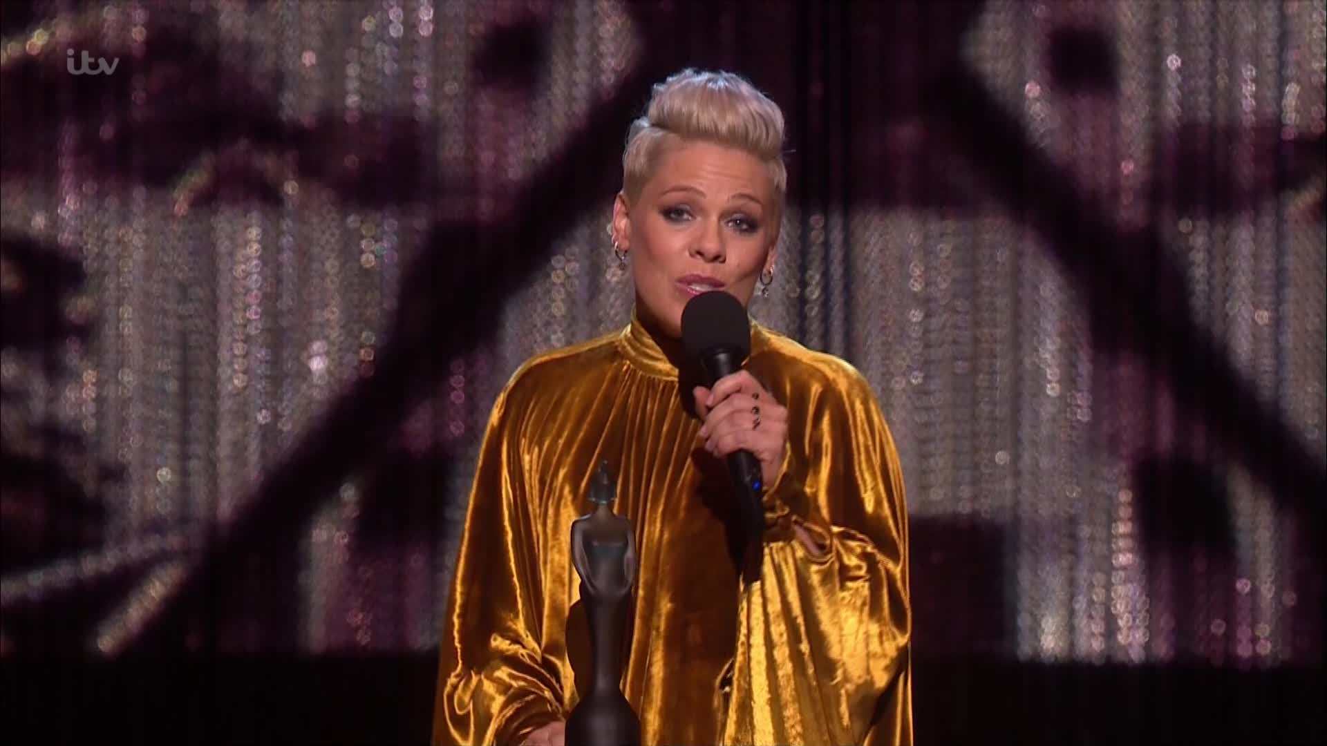 Pink wins Outstanding Contribution Award at the 2019 Brits