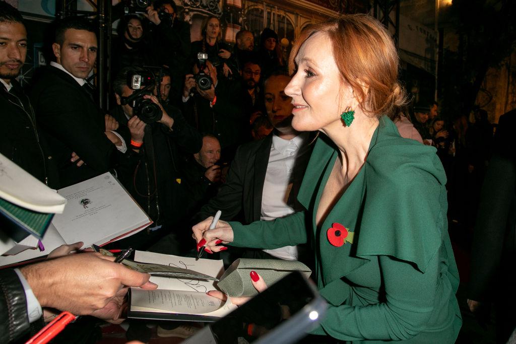 JK Rowling signs autographs