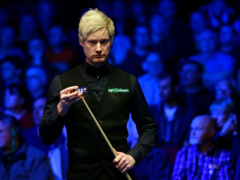 Neil Robertson frustrated by 'ignorant' China Open crowd as he surges into quarter-finals