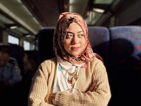 Woman takes beautiful portraits of strangers she meets on her daily commute