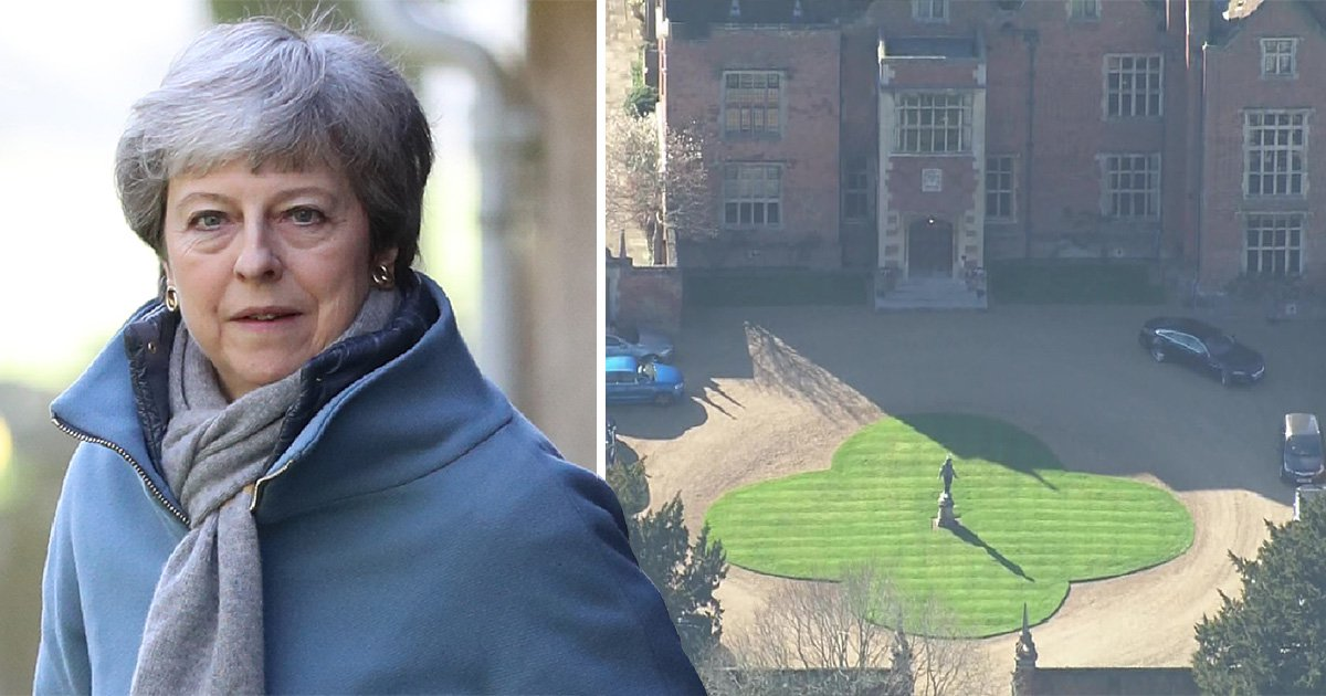 Theresa May offers 'no-concessions' at crucial Chequers crunch-talks