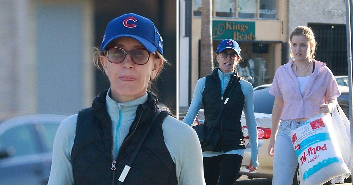 Felicity Huffman emerges amid college admissions scandal with daughter as two get crafty
