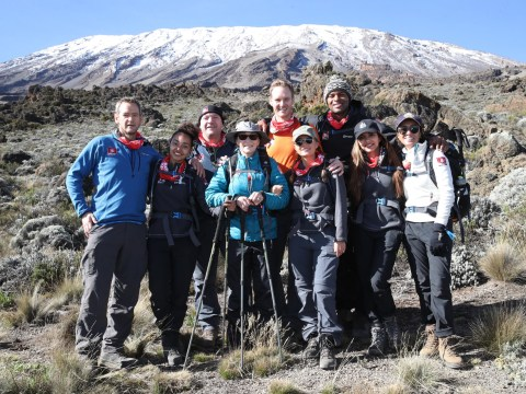 Which celebrities finished the Comic Relief Mount Kilimanjaro climb?