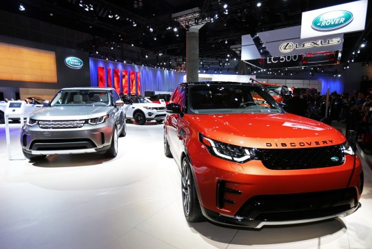 FILE PHOTO: The 2017 Land Rover Discovery is pictured at the 2016 Los Angeles Auto Show in Los Angeles, California, U.S November 16, 2016. REUTERS/Mike Blake/File Photo