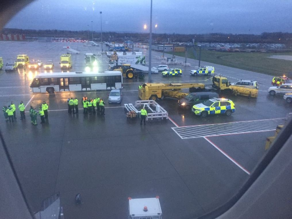 All staff and passengers on Virgin flight have had to be quarantined Trevor Wilson @trevwilson19 3h3 hours ago More Currently been stuck on plane at #gatwick for 90 mins due to sickness on board! Now told we are being taken to a holding centre to be assessed! https://twitter.com/trevwilson19/status/1103186422675238912