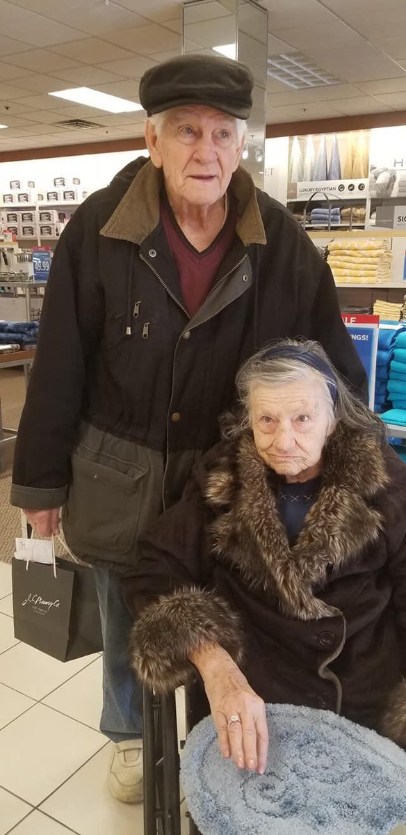 METRO GRAB - taken from the Twitter of christinacherie without permission - viral Man reproposes to his wife after 63 years Picture: christinacherie