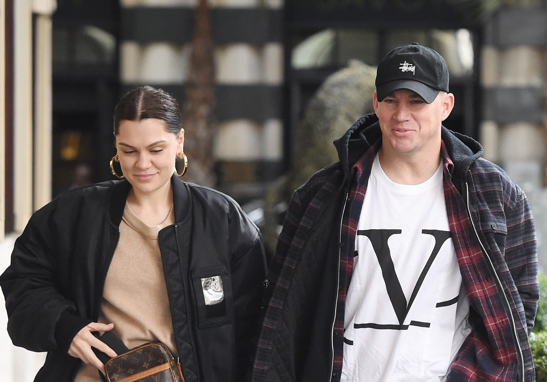 BGUK_1516909 - London, UNITED KINGDOM - English singer Jessie J and actor boyfriend Channing Tatum pictured out and about holding hands in London. The happy couple looked relaxed as they enjoyed the Spring sunshine in London together after having sim lunch together! Pictured: Jessie J and Channing Tatum BACKGRID UK 14 MARCH 2019 BYLINE MUST READ: Zed Jameson / BACKGRID UK: +44 208 344 2007 / uksales@backgrid.com USA: +1 310 798 9111 / usasales@backgrid.com *UK Clients - Pictures Containing Children Please Pixelate Face Prior To Publication*