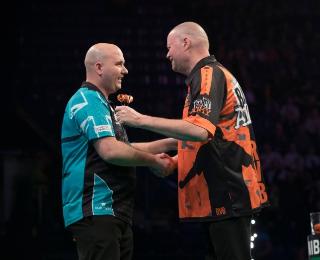 UNIBET PREMIER LEAGUE DARTS 2019 MOTORPOINT ARENA, NOTTINGHAM PIC LAWRENCE LUSTIG ROB CROSS V RAYMOND VAN BARNEVELD ROB CROSS IN ACTION