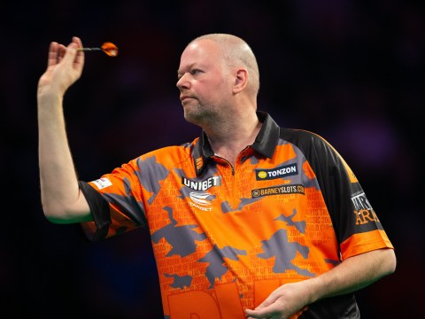 Raymond van Barneveld keeps Premier League survival hopes alive with win over Max Hopp