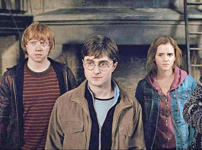 Warner Bros Daniel Radcliffe Ruper Grint Emma Watson Harry Potter Ron Weasley Hermione Granger