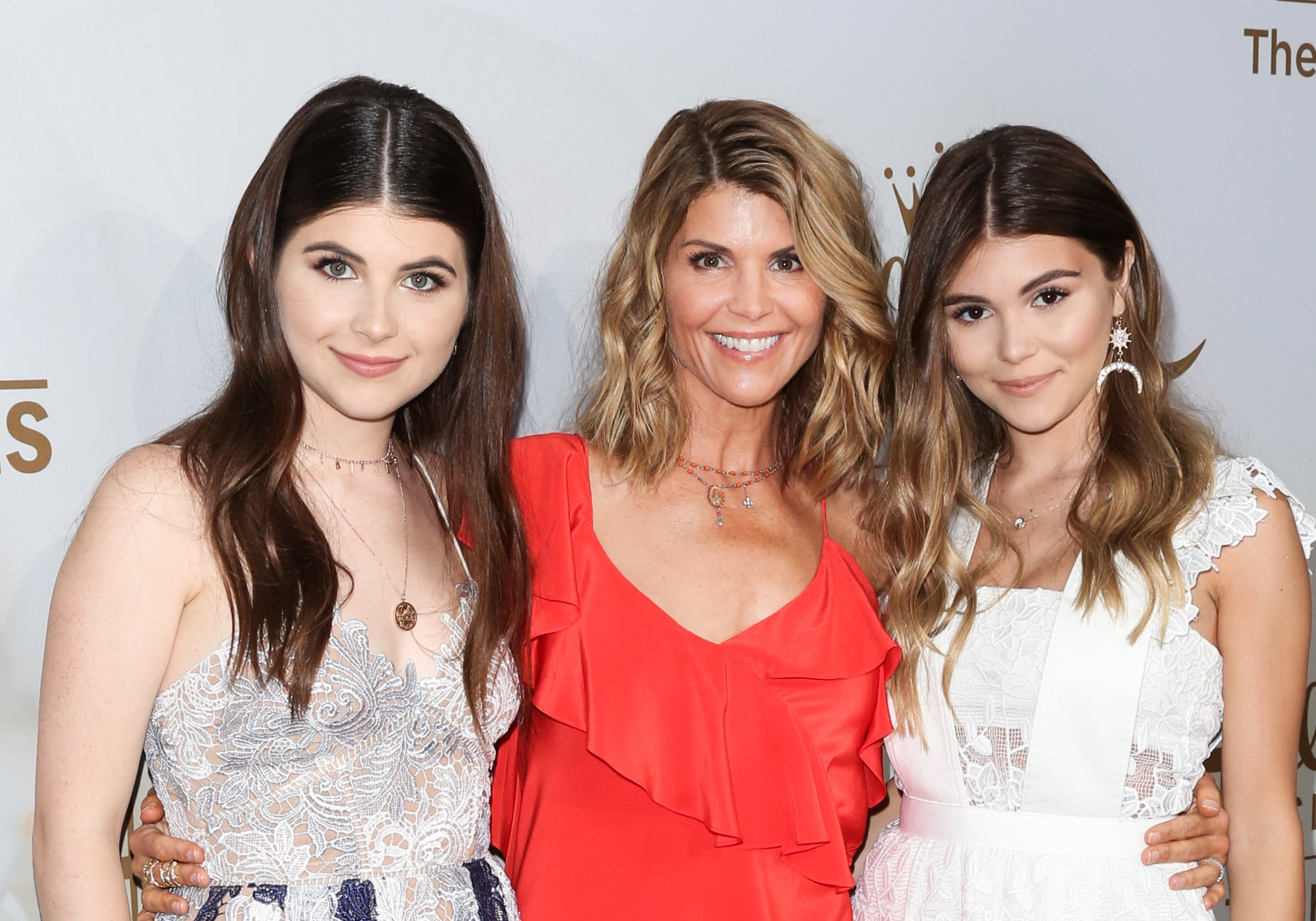 Lori Loughlin's daughter Olivia Jade still enrolled at USC despite college cheating scandal