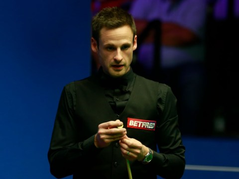 David Gilbert holds onto narrow lead over John Higgins ahead of last session of World Championship semi-final
