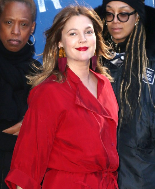 Drew Barrymore visits Good Morning America in New York Pictured: Drew Barrymore Ref: SPL5076446 010419 NON-EXCLUSIVE Picture by: ENT / SplashNews.com Splash News and Pictures Los Angeles: 310-821-2666 New York: 212-619-2666 London: 0207 644 7656 Milan: 02 4399 8577 photodesk@splashnews.com World Rights,