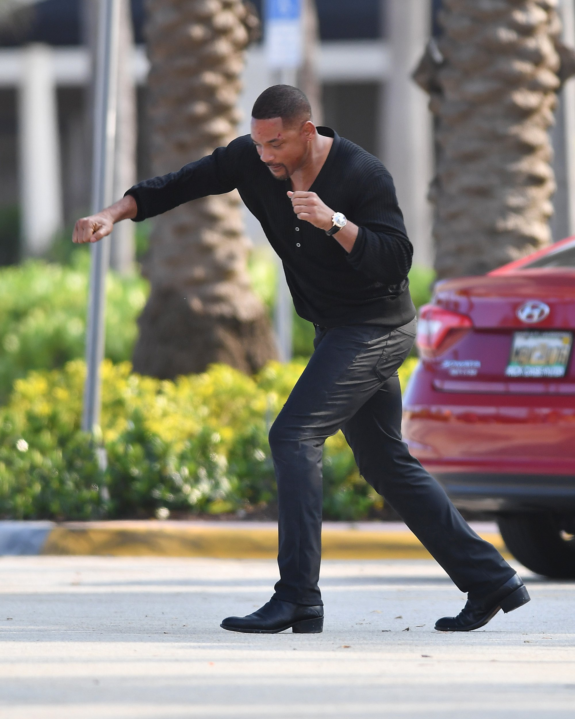 Will Smith seen doing pushups and boxing on set of Bad Boys 3 in Miami Beach,Florida Pictured: Will Smith Ref: SPL5076945 030419 NON-EXCLUSIVE Picture by: Robert O'neil / SplashNews.com Splash News and Pictures Los Angeles: 310-821-2666 New York: 212-619-2666 London: 0207 644 7656 Milan: 02 4399 8577 photodesk@splashnews.com World Rights,