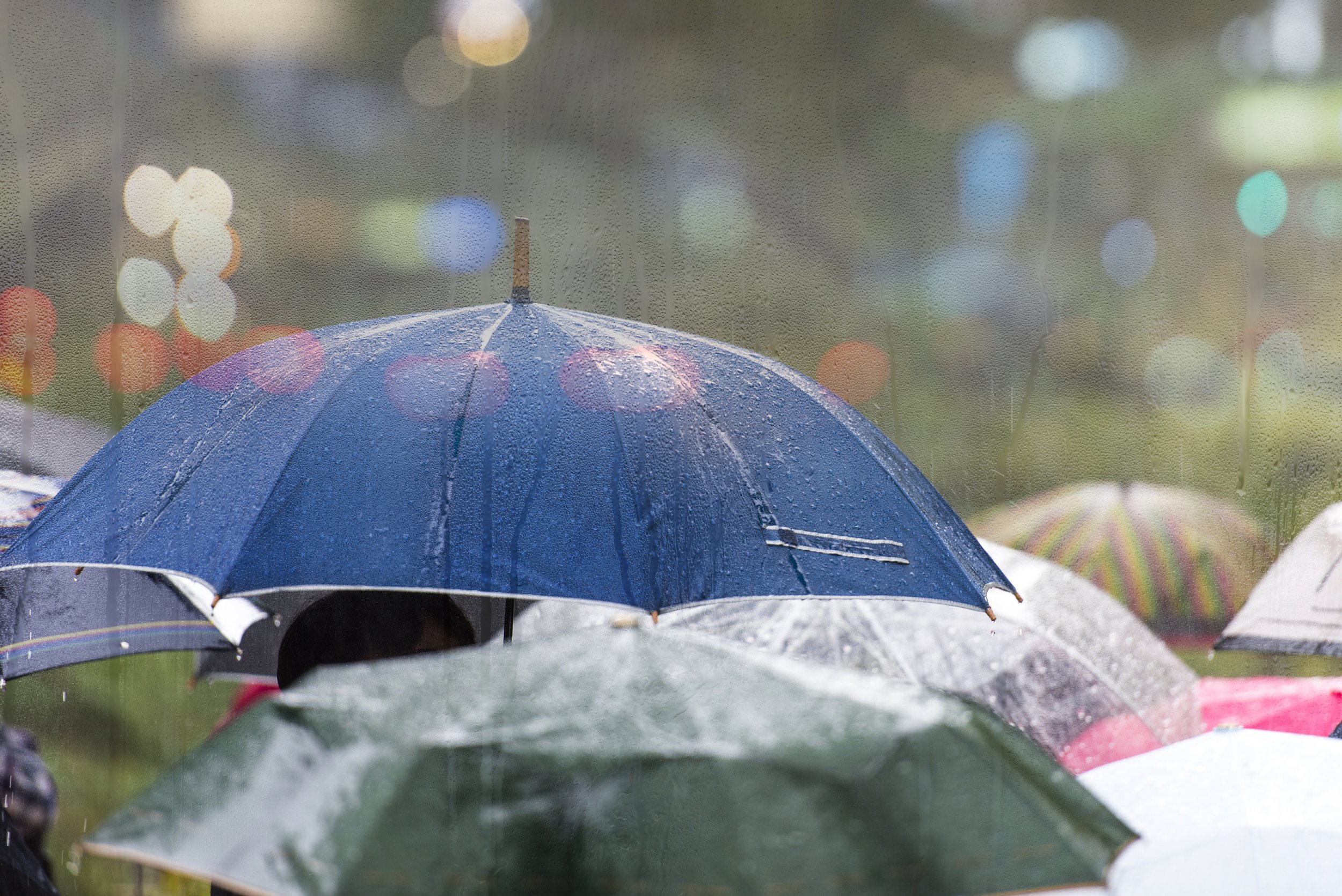 Temperatures set to plunge as heavy rain hits UK