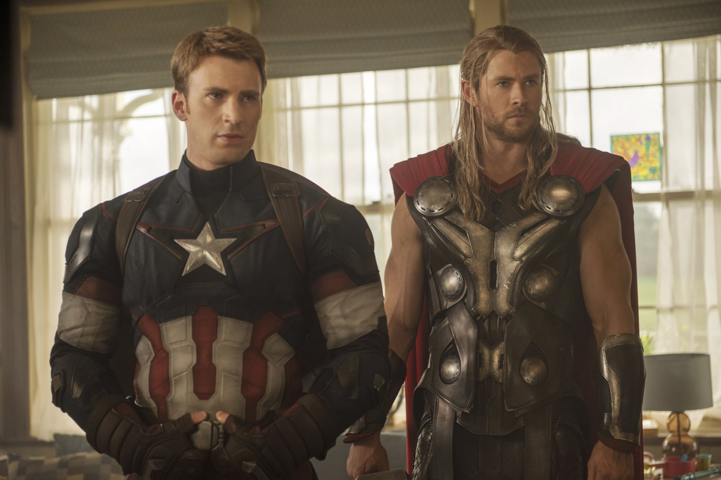 Editorial use only. No book cover usage. Mandatory Credit: Photo by Jay Maidment/Marvel/Walt Disney/Kobal/REX/Shutterstock (5886283aq) Chris Evans, Chris Hemsworth Avengers - Age Of Ultron - 2015 Director: Joss Whedon Marvel/Walt Disney Pictures USA Scene Still Action/Adventure Avengers: L'?re d'Ultron