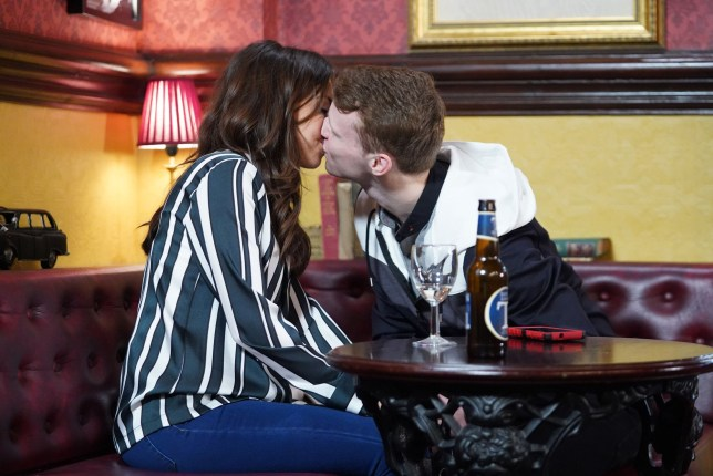 Ruby Allen (Louisa Lytton) and Jay (Jamie Borthwick) get back together