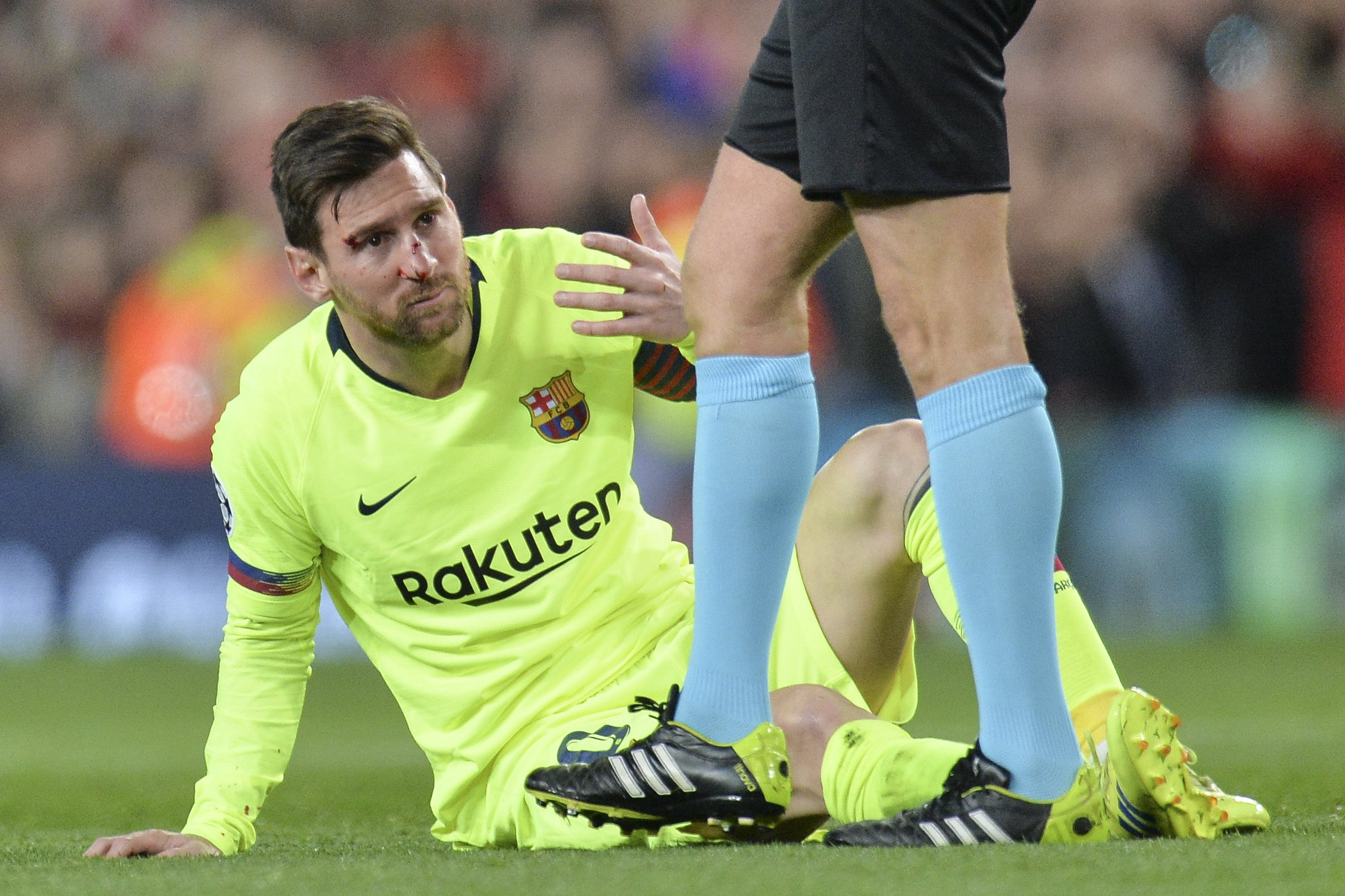 epa07497449 Lionel Messi of FC Barcelona reacts during the UEFA Champions League quarter final, first leg soccer match between Manchester United and FC Barcelona at Old Trafford in Manchester, Britain, 10 April 2019. EPA/PETER POWELL
