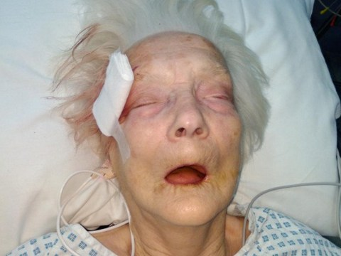 Urgent appeal to find anyone who knows elderly woman found collapsed in street