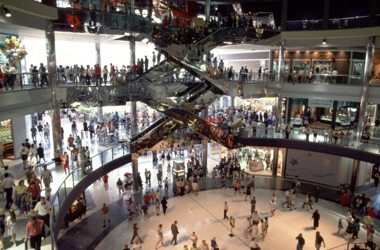 Mall Of America 3rd Floor Map.Man Arrested After Boy 5 Was Hurled Off 3rd Floor Of Mall Of