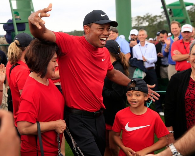 epa07507095 Tiger Woods of the US celebrates with family after winning the 2019 Masters Tournament at the Augusta National Golf Club in Augusta, Georgia, USA, 14 April 2019. The 2019 Masters Tournament is held 11 April through 14 April 2019. EPA/TANNEN MAURY