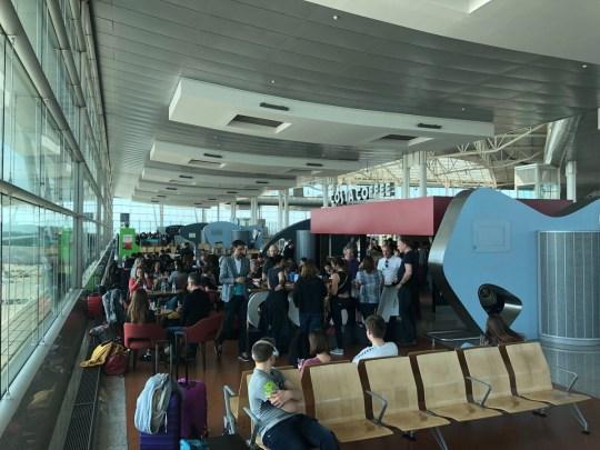 Easyjet passengers are left stranded in airport for FIVE hours Provider: Twitter/frazerrendell Source: https://twitter.com/frazerrendell/status/1116712476027105280 https://twitter.com/frazerrendell/status/1116803312148451329