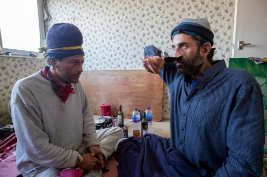 Kelly Saliba (48) and Sam Cohen (41), who drink various fluids, including urine, water and wine through their nose. London, April 15, 2019. Sam drinks wine through his nose. See National story NNwee. A yoga master claims that he had not had a cold for nearly twenty years, because every time he goes to the toilet he snort a cup of his own wee.Sam Cohen, 41, has used a cup to funnel him into his nostrils every time he goes to the home for the last 19 years and says he never had a cold. A special assistant assistant claims to be asking for his sex life and healing him for any illness. Wegan Singleton, from Islington, northern London, said he was drinking his own bee - which he calls Auryn, the Celtic word for gold - every day, and he even carries his special pile with him.
