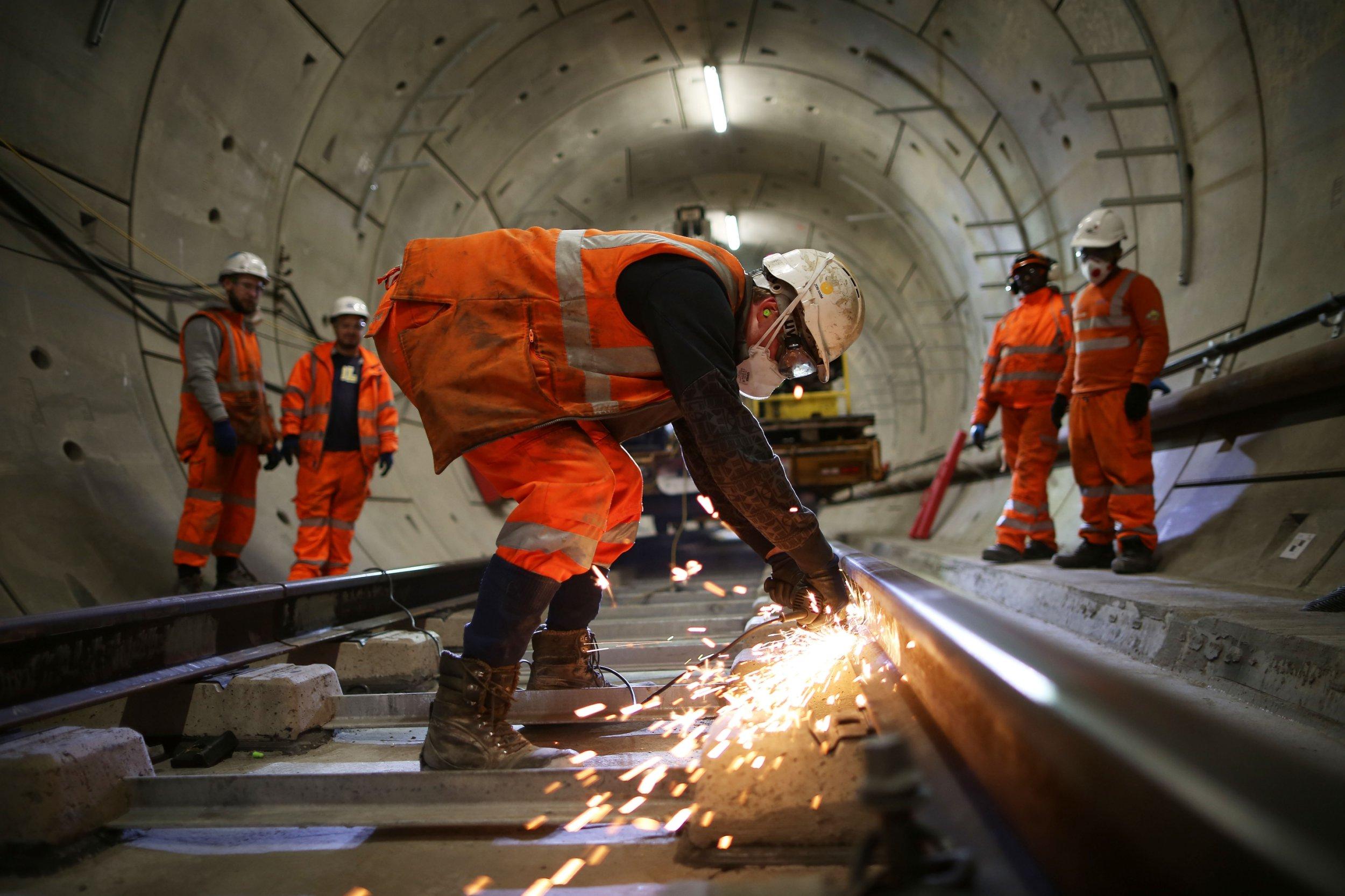 Crossrail might not open until 2021 despite £2,800,000,000 bailout