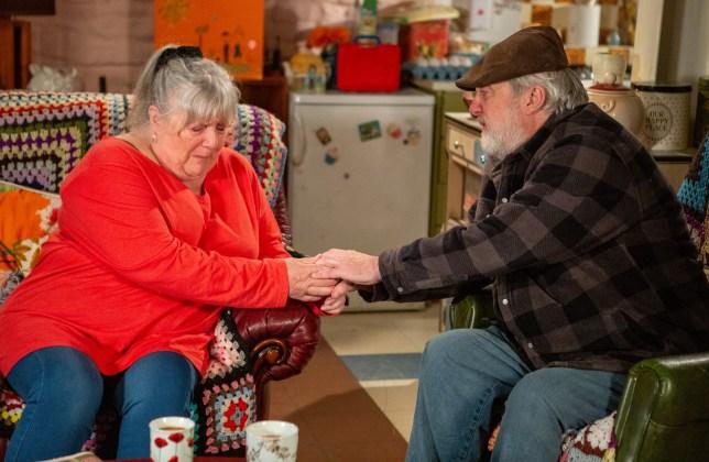 Lisa Dingle (Jane Cox) and Zak Dingle (Steve Halliwell) on Emmerdale