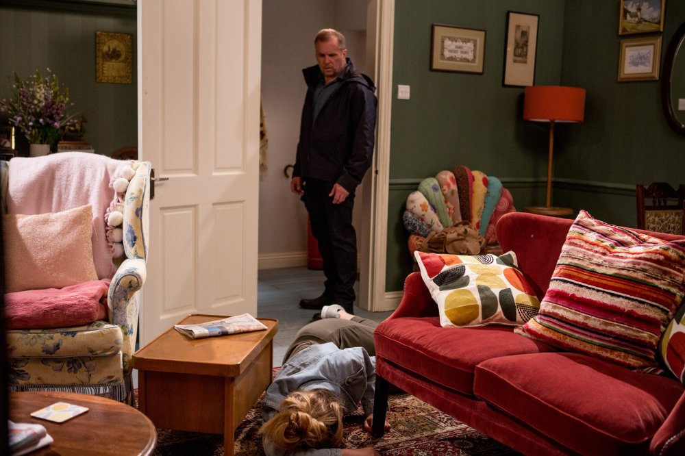 Will Taylor (Dean Andrews) hurts his daughter Dawn (Olivia Bromley)