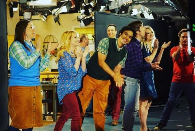 Kaley Cuoco shares behind the scenes picture of The Big Bang Theory