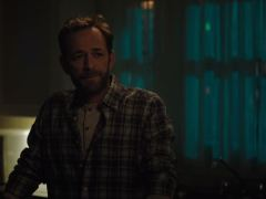 Luke Perry shares emotional scene with on-screen son Archie in his final Riverdale episode