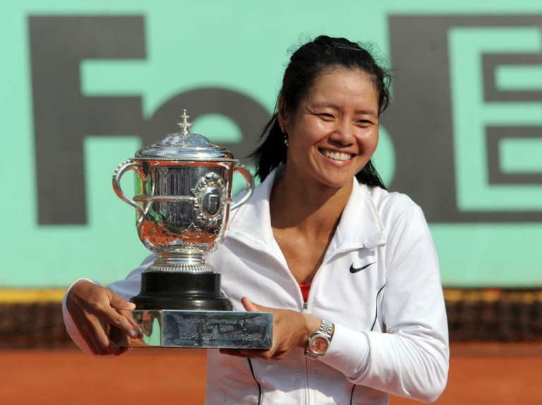 Li Na with the French Open trophy