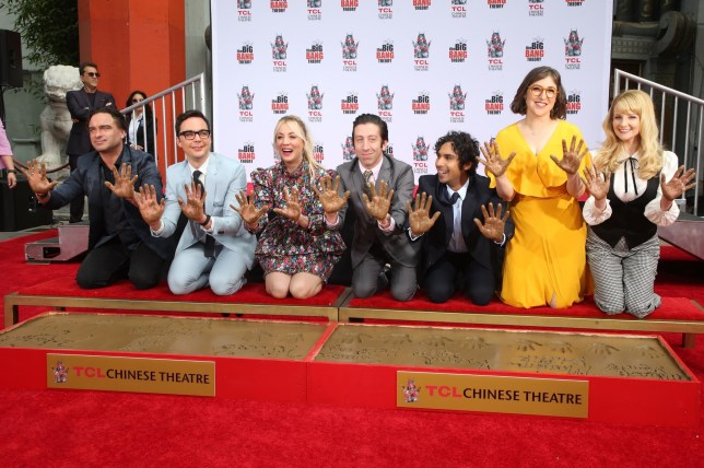 "Hollywood, Cali - The cast of ""Big Bang Theory"" are honored with a Handprint Ceremony at the TCL Chinese Theatre IMAX in Hollywood, California. Pictured: Johnny Galecki, Jim Parsons, Kaley Cuoco, Simon Helberg, Kunal Nayyar, Mayim Bialik and Melissa Rauc BACKGRID USA 1 MAY 2019 BYLINE MUST READ: MediaPunch / BACKGRID USA: +1 310 798 9111 / usasales@backgrid.com UK: +44 208 344 2007 / uksales@backgrid.com *UK Clients - Pictures Containing Children Please Pixelate Face Prior To Publication*"