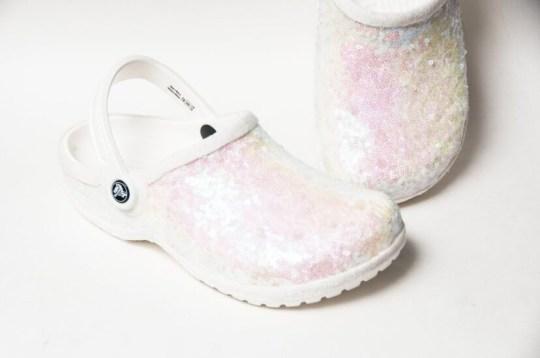 Les crocs de mariée sont maintenant une chose Image: Princess Pumps / Etsy