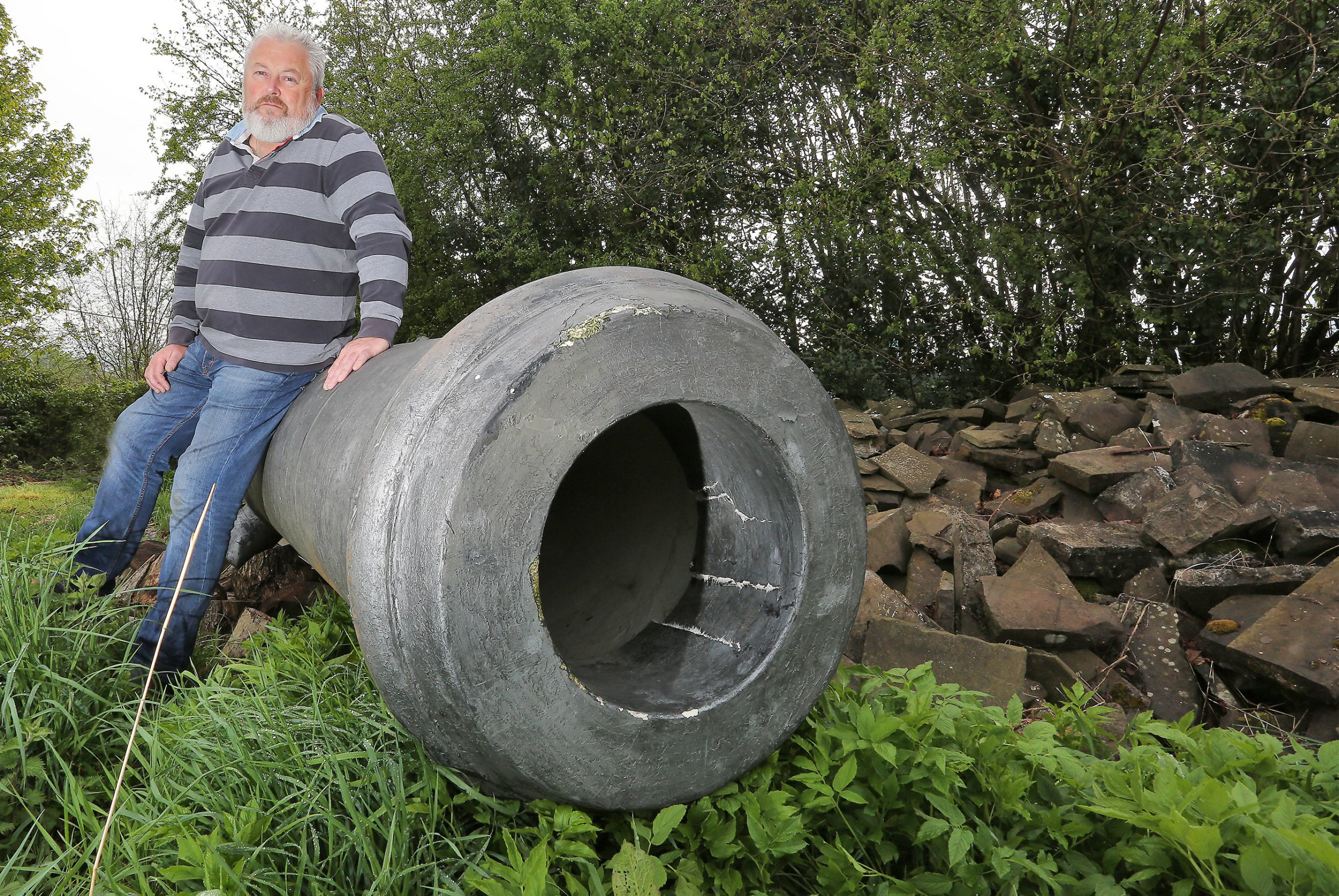 Planners tell man he can't keep a 15ft cannon in his garden