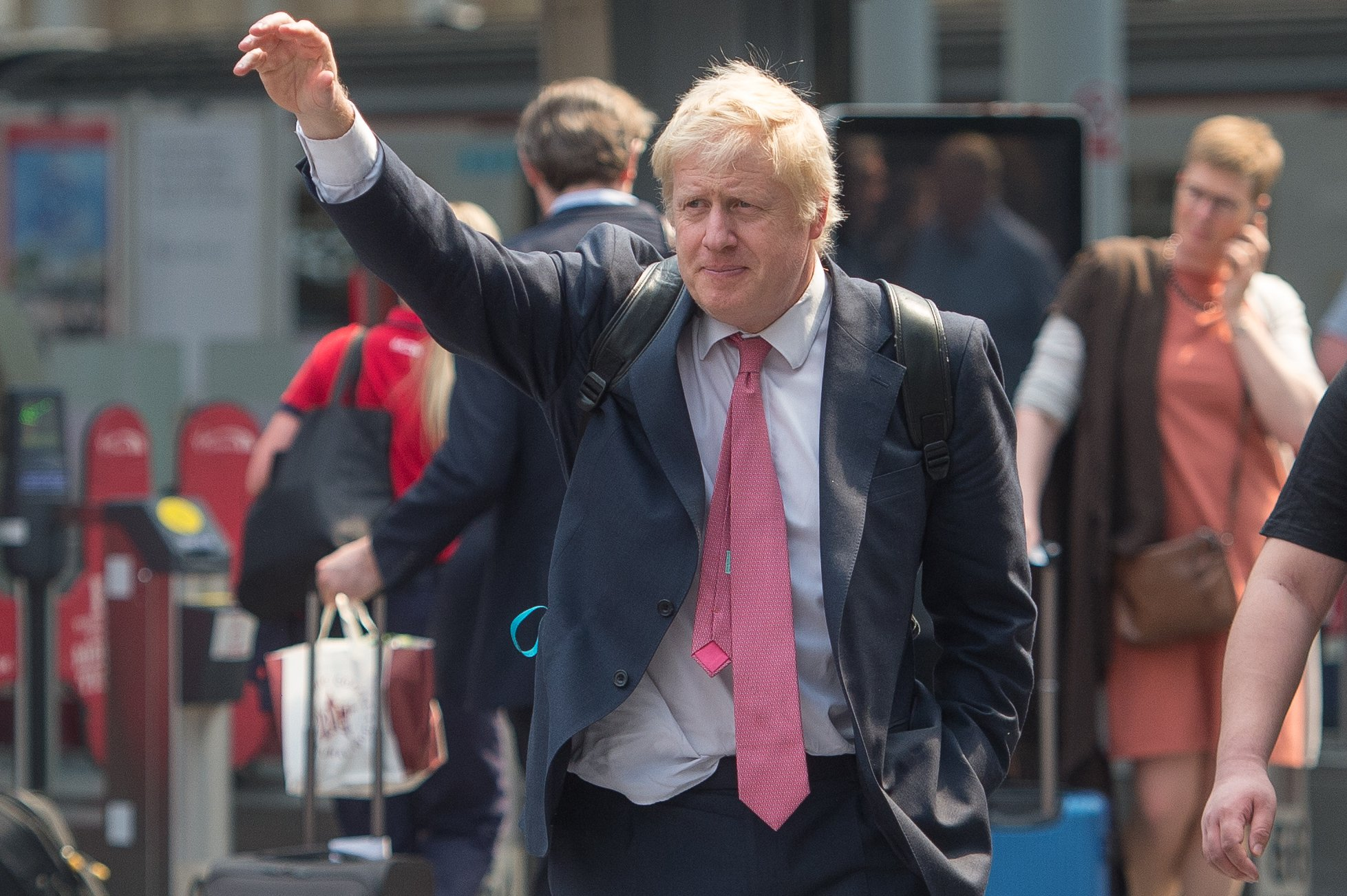 Boris Johnson announces plan to stand as Conservative party leader