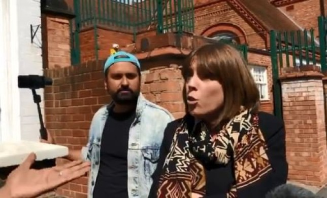 Jess Phillips confronts anti LGBT protestors outside Birmingham school https://twitter.com/GollyGD/status/1130428153451700224